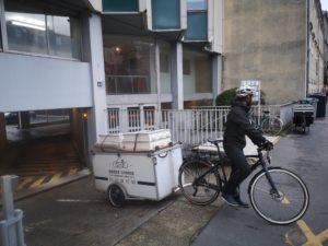 Electricien-a-velo-Électricien-a-vélo-Vélo-Nantes-nantes-nanntes-naantes-dépannage-électrique-électricité-france3-francetelevision-Greencourse44-ElecàVélo-Évacuation vers recyclage avec GREEN COURSE
